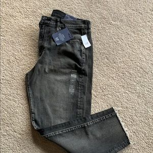 Gap High-Rise Girlfriend Jeans *NWT*